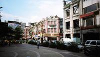 この通りはまち全体の統一的な雰囲気が取れている。